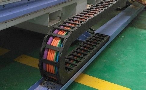 拖链里的电线经常断芯的4种原因